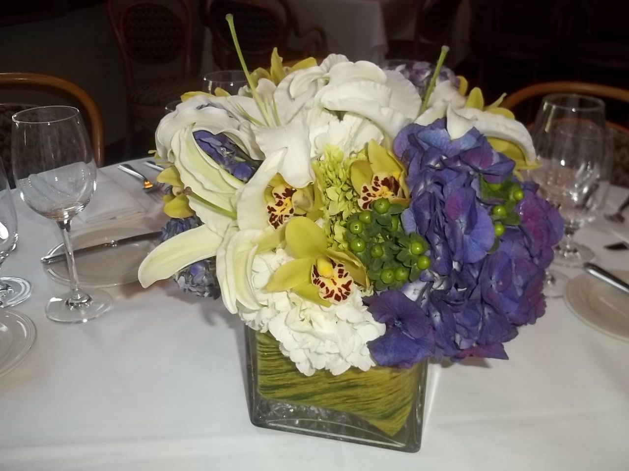Eletragesi cymbidium orchid centerpieces images