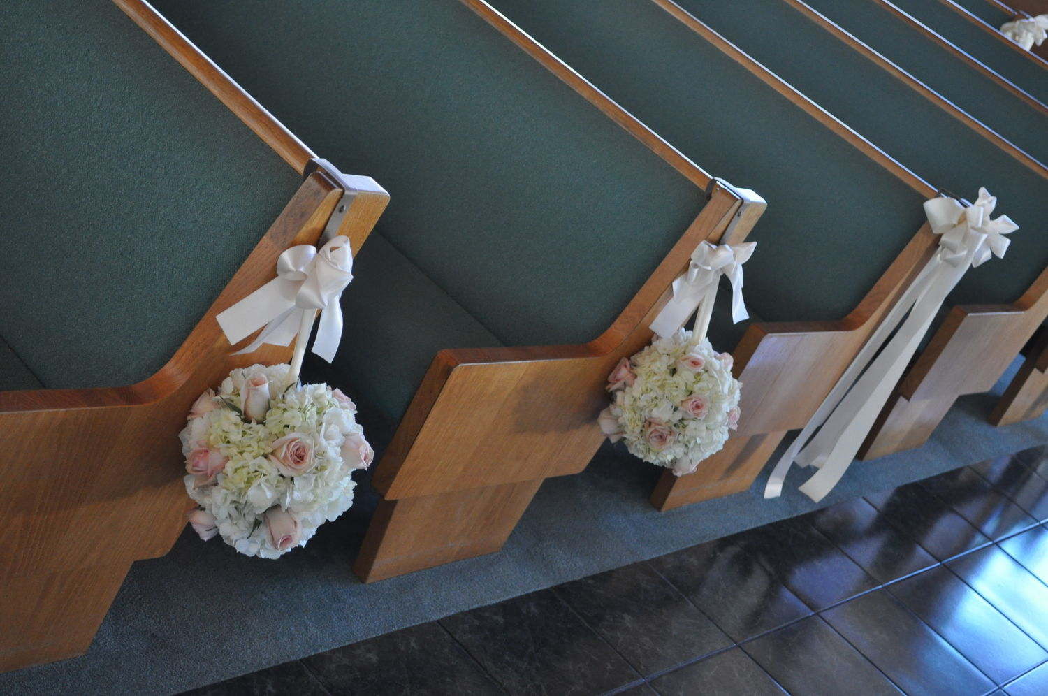 Ceremony Pew And Chair Decorations